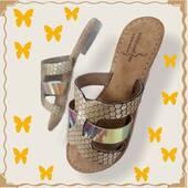 Plagette qui brille avec le soleil et fait le pied léger comme un papillon... (modèle jaja) 🦋🌞🦋🌞 #summer2021 #fashion #womenshoes #muleshoes www.balka.fr