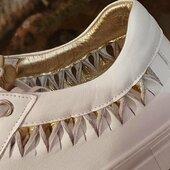Joli détail doré sur sneaker blanc d'E/N : il reste juste quelques paires ! Faites vite 😍🤩⭐️🌟 #sneakersaddict #fashion #womenshoes #summer2021 www.balka.fr
